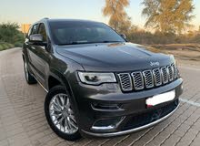 jeep cherokee summit 5.7. v8
