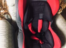 مقعد سيارة للأطفال