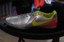 أحذية ترتان Nike بسعر مناسب