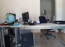 طاولات مكتبية