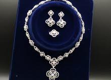 *طقم زركون تصميم الماس السعر 190ريال