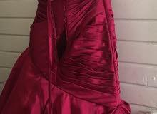 فستان ملكة مستعمل ،،، جدا ممتاز ،،، و خامة ممتازة