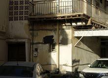 بيت قديم للبيع في المحرق