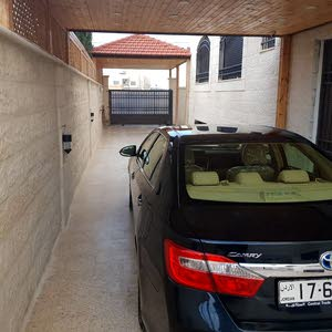 Automatic Toyota 2014 for sale - New - Amman city