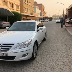 km Hyundai Genesis 2011 for sale