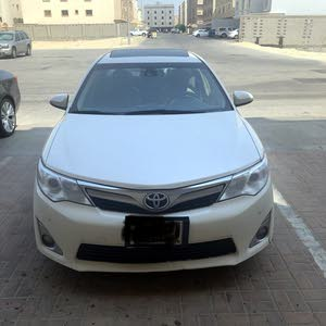 Used condition Toyota Camry 2015 with 120,000 - 129,999 km mileage