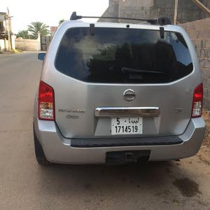 Used condition Nissan Pathfinder 2006 with 160,000 - 169,999 km mileage