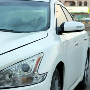 Nissan Maxima 2011 For sale - White color