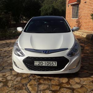 Hyundai Sonata 2013 For sale - White color