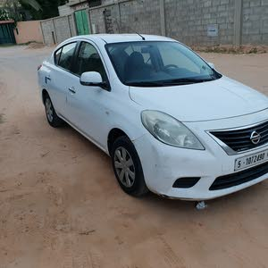For sale Nissan Sunny car in Tripoli