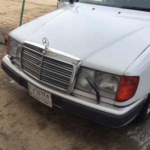 ميرسيدس  E 300 موديل 1990