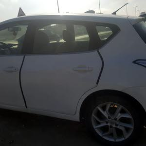 Used condition Nissan Tiida 2014 with 50,000 - 59,999 km mileage