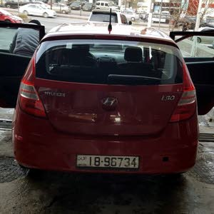 Hyundai i30 2012 For sale - Red color