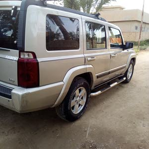 Gold Jeep Commander 2007 for sale