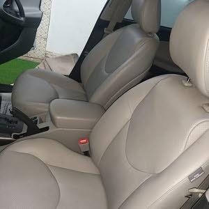 Toyota RAV 4 car for sale 2012 in Al Batinah city