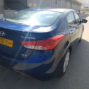 Expat leaving Oman, Hyundai Elantra 2014, Excellent condition, running 68k only