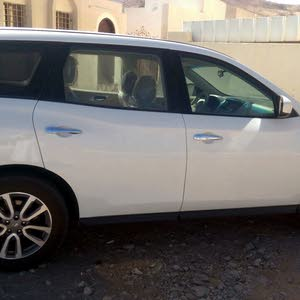 Nissan Pathfinder car for sale 2013 in Muscat city