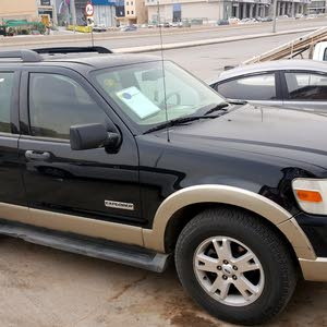 Automatic Ford 2006 for sale - Used - Al Riyadh city