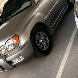 Lexus LX car for sale 2001 in Dima and Al Taaiyin city