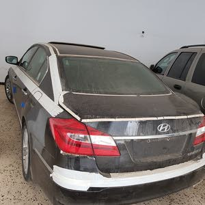 New condition Hyundai Genesis 2015 with 1 - 9,999 km mileage