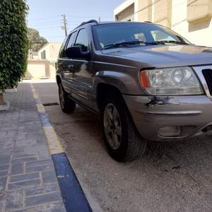 +200,000 km mileage Jeep Cherokee for sale