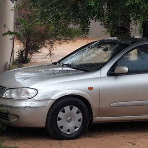 For sale Nissan Sunny car in Tripoli