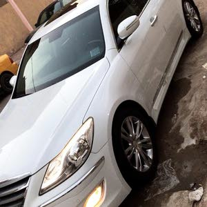 Hyundai Genesis 2014 in Basra - Used