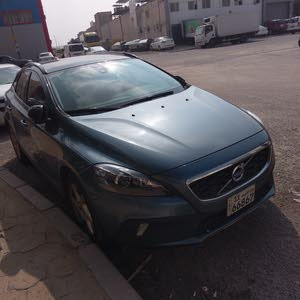 Used condition Volvo V40 2013 with 60,000 - 69,999 km mileage