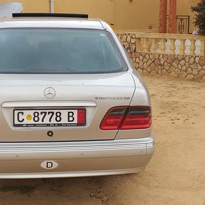 مرسيدس200 موديل 2002