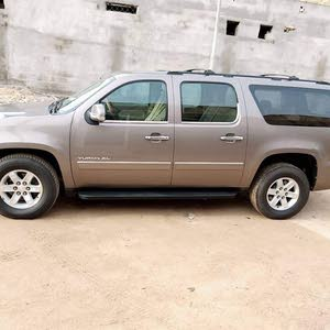 100,000 - 109,999 km GMC Yukon 2013 for sale