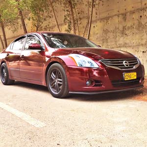 Nissan Altima 2010 For sale - Red color