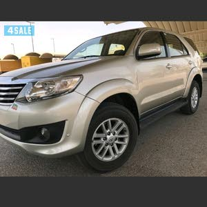 Automatic Toyota 2014 for sale - Used - Al Jahra city