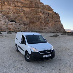 White Peugeot Partner 2017 for sale