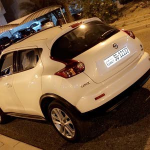 Automatic White Nissan 2013 for sale