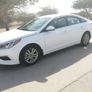 Used condition Hyundai Sonata 2016 with 50,000 - 59,999 km mileage