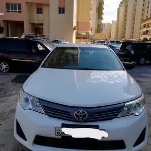 Toyota Camry 2012 For sale - White color