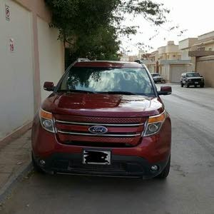 Automatic Maroon Ford 2014 for sale
