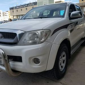 Manual White Toyota 2011 for sale