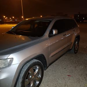 Silver Jeep Cherokee 2012 for sale