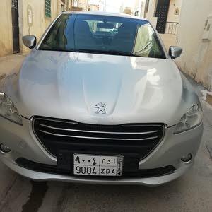 سيارة نظيفة جدا ببجو301 موديل 2015 /80.000 كلم