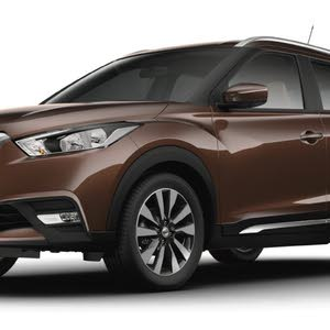Automatic Brown Nissan 2018 for sale