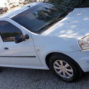 White Renault Logan 2013 for sale