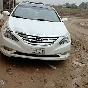 Hyundai Sonata 2011 For sale - White color