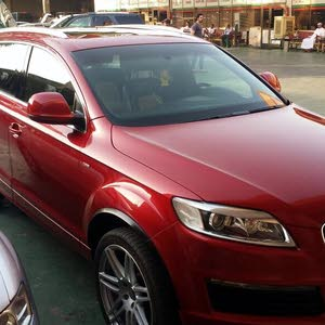 Audi Q7 2009 For sale - Red color