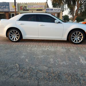 Used condition Chrysler 300C 2014 with 1 - 9,999 km mileage