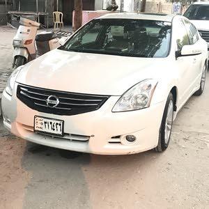 White Nissan Altima 2011 for sale