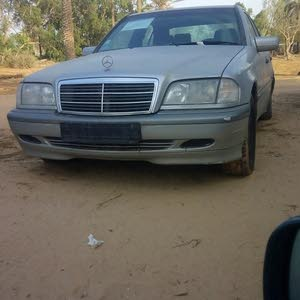 سيارة نضيفة محرك نافطه كمبيوا عادي مكيفة ماشية 230
