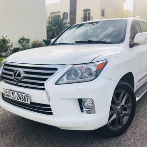Lexuses LX 570 model 2013