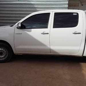 Manual White Toyota 2013 for sale