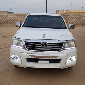 Used condition Toyota Hilux 2012 with 160,000 - 169,999 km mileage